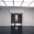 Dessin mural N° 3, entrée carré noir, pierre noire sur mur 2003
